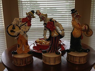 CAPODIMONTE CLOWN FIGURINES - SET OF 3 STANDING ON DRUMS. VINTAGE IN GREAT SHAPE