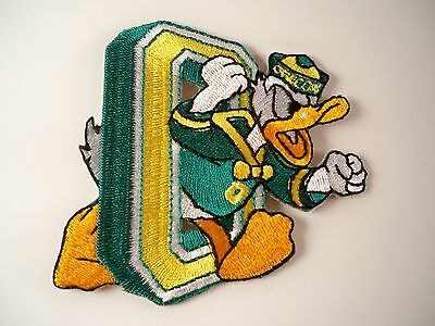 Oregon Ducks Vintage Rare NCAA Embroidered Iron On Patch (Old Stock)