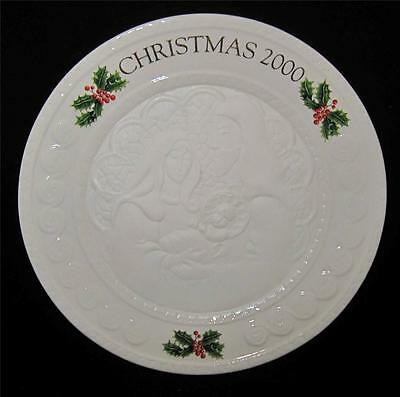 Belleek Collector Plate Christmas 2000 HOLY FAMILY, New in Box, #2444