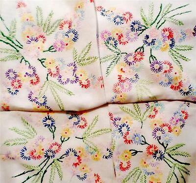 """VINTAGE Linen FLORAL SPRAYS Tablecloth HAND EMBROIDERED 49"""" Square DELIGHTFUL"""