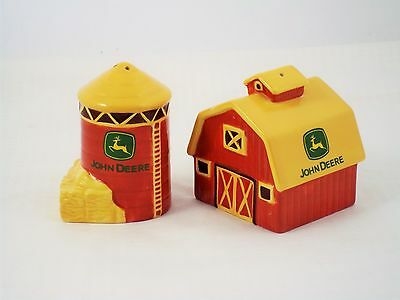 John Deere Farm Tractor Country Hay Red Barn Silo Salt Pepper Shaker Set