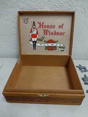 -10%  lot of 147 antique lead soldier figurines HOUSE OF WINDSOR PALMAS box