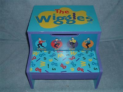 The WIGGLES Wooden Step Stool Storage Bin Child Kid Blue Big Red Car