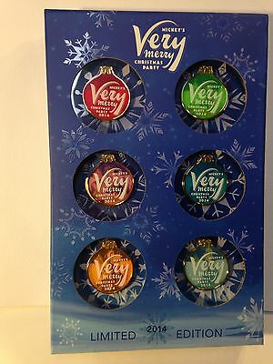 Disney 2014 Mickeys Very Merry Christmas Party Box Pin Set Limited Edition  900