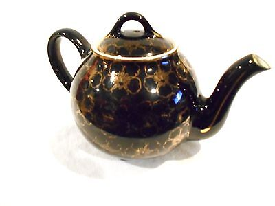 Hall Teapot Black/Gold 6 cup #050