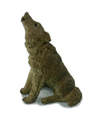 FREE SHIPPING | AAA 55008 Small Gray Wolf Howling Model Replica- New in Package