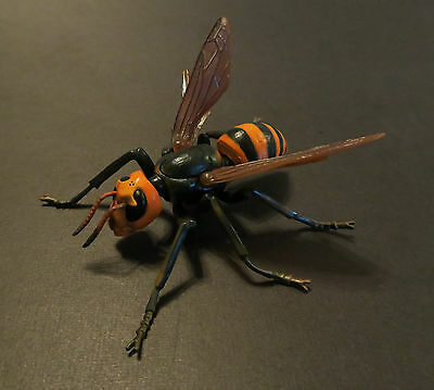 RARE Takara Tomy Asian Giant Wasp Hornet Bee Realistic Insect Bug Figure