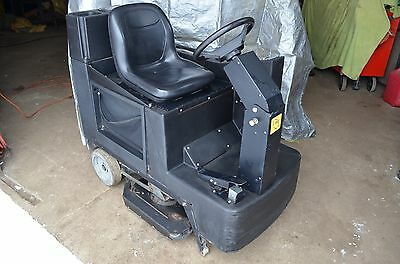 RECONDITIONED NSS CHAMP 3329 ride on automatic scrubber 33-inch  w/ Charger