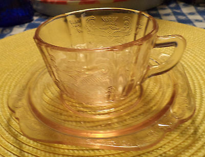 1930's Depression era Federal Glass MADRID PATTERN AMBER COLOR TEA CUP & SAUCER