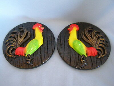 VINTAGE PAIR OF CHALKWARE ROOSTER PLAQUES ROOSTER CHICKEN FARM KITCHEN