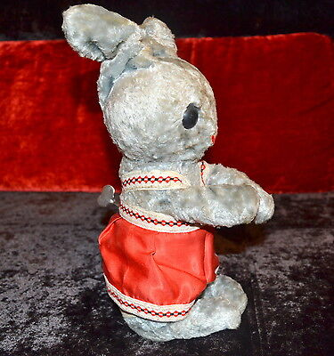 VERY RARE VINTAGE WIND-UP TOY Hare RABBIT, RUSSIA USSR, 1950 pows moves!!!