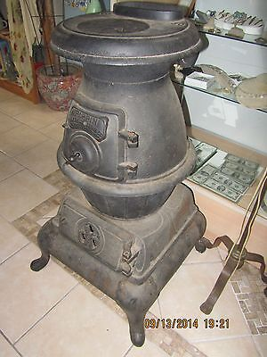 Antique Pippin Hardwick Stove Co. Pot Belly Cast Iron Stove No.30-Cleveland,TN.