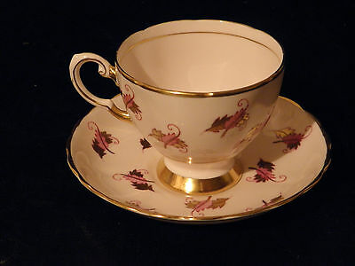 VINTAGE COLLECTABLE TUSCAN TEA CUP & SAUCER