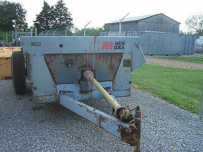 New Idea 3622 Manure Spreader! Excellent Condition! Ready To Work!