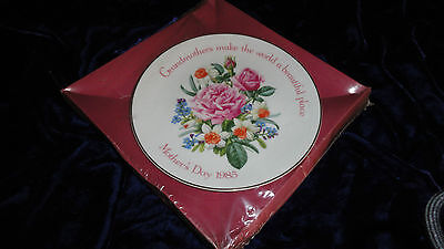 American Greetings 1985 A Bloom with Beauty Mother's Day Porcelain Plate NOS IOB