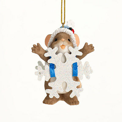 Charming Tails Blizzard of Blessings Mouse Christmas Ornament NEW 4027665