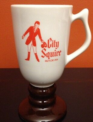 VINTAGE CITY SQUIRE MOTOR INN NEW YORK CITY FOOTED COFFEE MUG HALL EXCLUSIVE