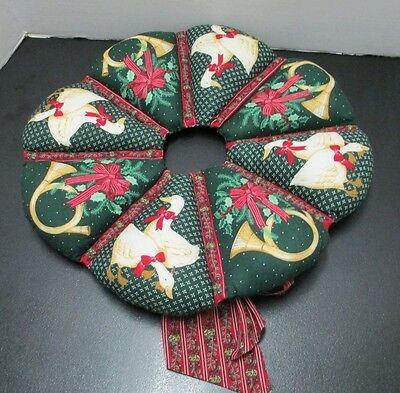 Christmas Green Wreath Quilted w Print of Holly, French Horns, Ducks & Ribbons