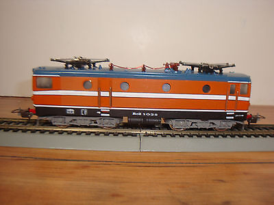 LIMA HO SCALE # 208052 LG ELECTRIC PROFILE LOCO AND BOX