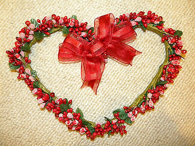 Red Pip Berry Heart Wreath Valentines Day Gift flower floral Rustic Country