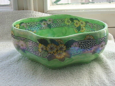 MALING 6402 large bowl lustre with small primrose border, pretty c20x23x10cms