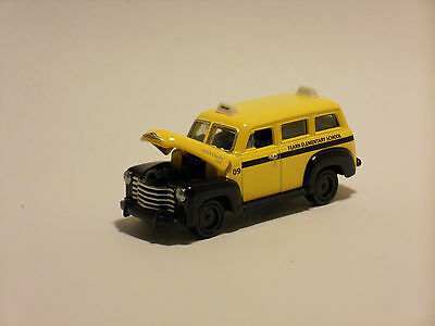 RARE HARD TO FIND JOHNNY LIGHTNING 1950 CHEVY SCHOOL BUS FEARN ELEMENTARY SCHOOL