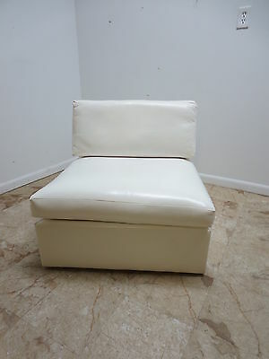 Mid Century Milo Baughman Thayer Coggin White Nauguhyde Straight Lounge Chair B