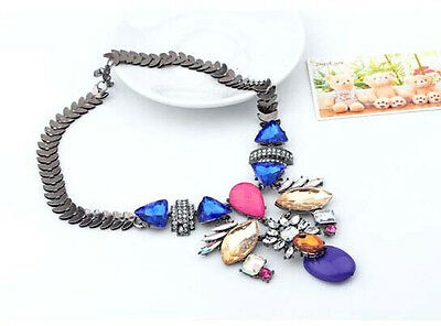 Occident Fashion Luxury Acrylic Crystal Resin Flower Pendant Statement Necklace