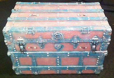 Antique Painted Wood Trunk w/Inside Draw & Old Advertising Label