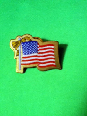 AMERICAN FLAG WITH YELLOW RIBBON COLLECTOR PIN!!(SHOW YOUR PATRIOTISM)