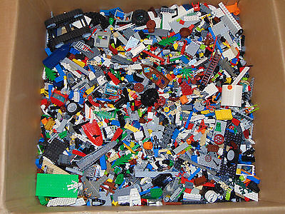 Huge 100% Gen Clean Lego Lot, Sold by the lb, 250-450 pieces/ lb, star wars etc.