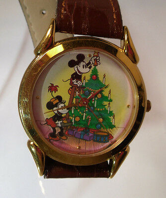 Disney Holiday 1995 Mickey and Minnie Mouse Watch Excellent Condition