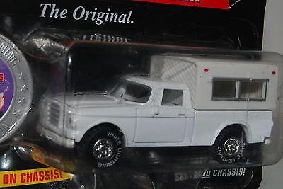 Johnny Lightning - Truckin' America White Lightning - Ultar-Rare NEW 1:64 MF 13E