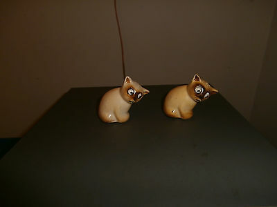 Japan Siamese cats salt and pepper shakers vintage figurines