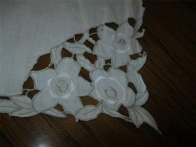 VINTAGE WHITE LINEN MADEIRA EMBROIDERED CUT TABLE RUNNER DOILIE 15X50