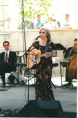 Rare Emmylou Harris Candid 4 X 6 Concert Photo