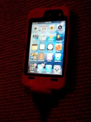 Apple iPod Touch 4th Generation White (8GB) HUGE BUNDLE!