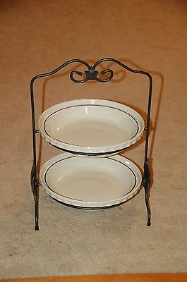 LONGABERGER USA Woven Traditions Wrought Iron Two Tier Pie Stand w/plates C blue
