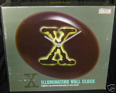The X-Files : Illuminating Walk Clock Made By Wesco In 1996