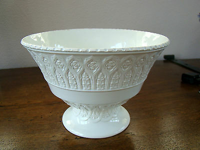 Wedgwood antique creamware footed basket/bowl with gotic decoration
