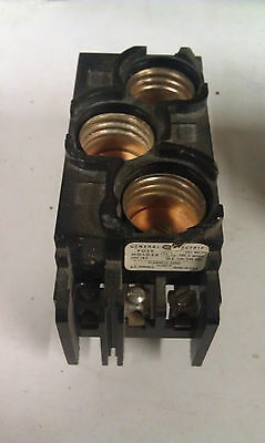 General Electric GE TRC3 TRC 3 Fuse Block - Holds 3 Fuses 30A 120/240V V100