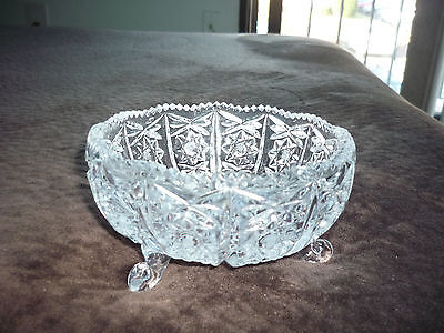 Exquisite Pressed Glass 3 Footed Bowl