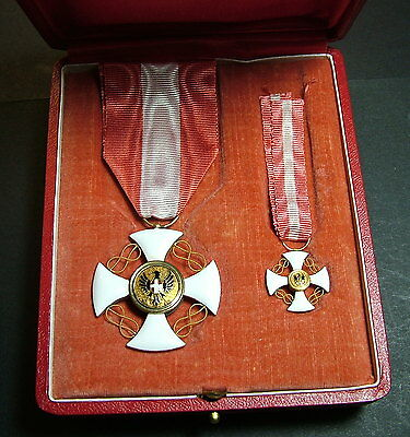 1900  Kingdom Italy Gold  Order of the crown of Italy  and  Small Cross  or box
