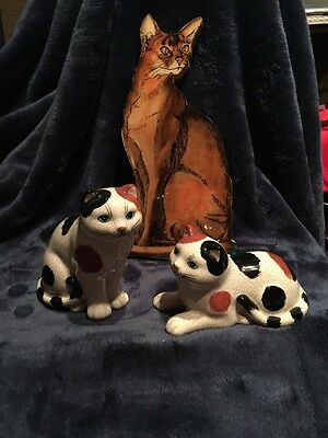 Set Of 2 1985 Lefton Cat Figurines With Wood Wall Plaque