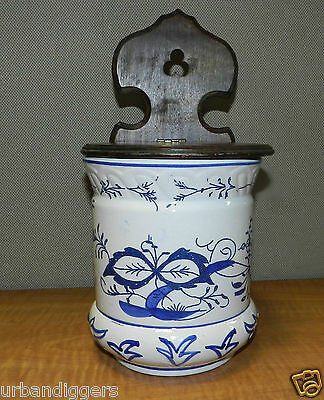 6689/ Vintage Kitchen Blue & White ~ SALT BOX~  Wall hanging ~ Wood Lid