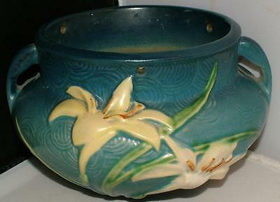 RARE blue ROSEVILLE pottery ZEPHYR LILY hanging basket planter w Chain 1946