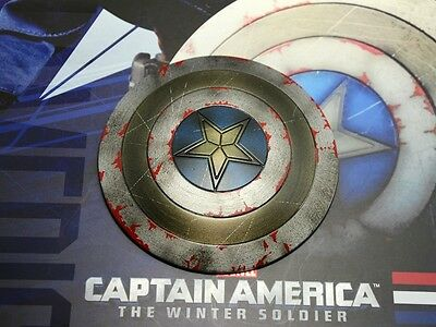 Hot Toys 1/6 MMS243 The Winter Soldier: Captain America Steve Rogers shield