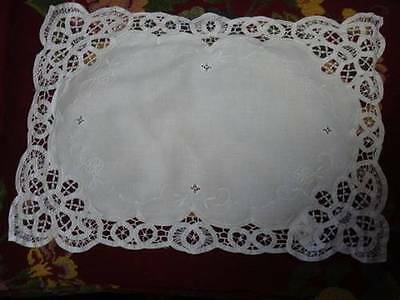 WHITE BATTENBURG PLACE MAT ADD THIS TO YOURS OR ADD THIS TO OTHERS PERFECT