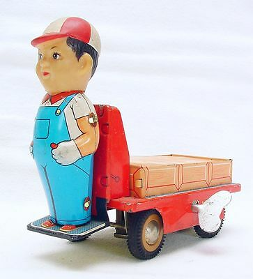 China MS-856 RAILWAY STATION PLATFORM LUGGAGE CAR Tin Wind-Up Toy NM`65 TOP RARE