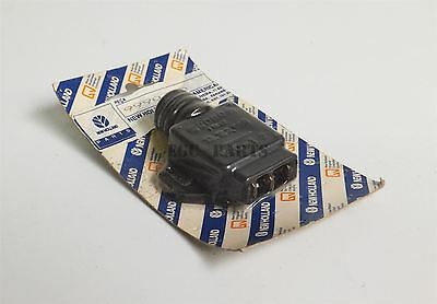 """New Holland """"TC Series"""" Electrical Push Button 9990745"""